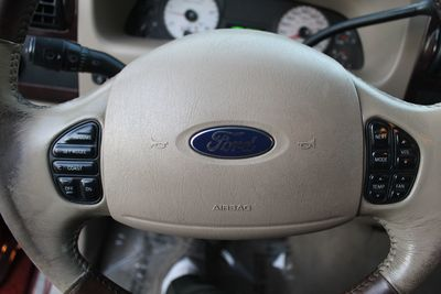 2005 Ford Super Duty F-350 DRW King Ranch