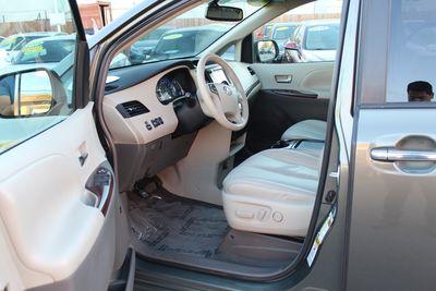 2011 Toyota Sienna XLE