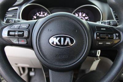 2015 Kia Sedona LX