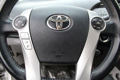 2010 Toyota Prius III