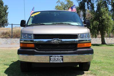 2011 Chevrolet Express Passenger 1LT