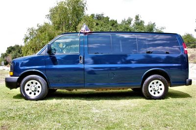 2011 Chevrolet Express Passenger 1LS