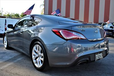 2016 Hyundai Genesis Coupe 3.8L Base