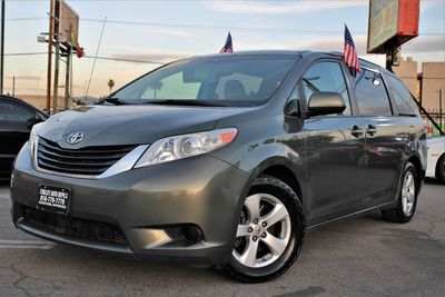 2011 Toyota Sienna LE